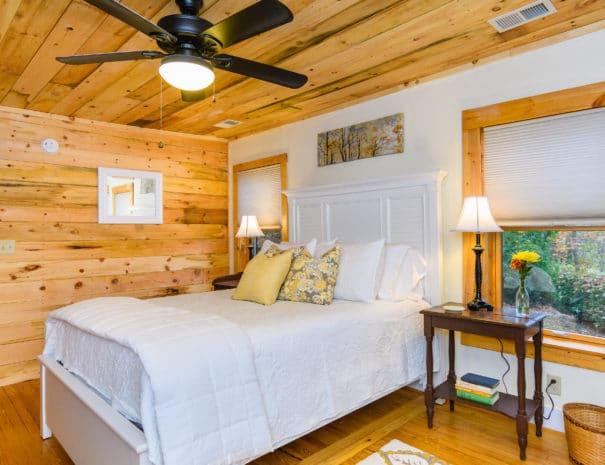 279 Lynn Cove Rd Asheville NC-print-017-2-Bedroom-4200x2800-300dpi