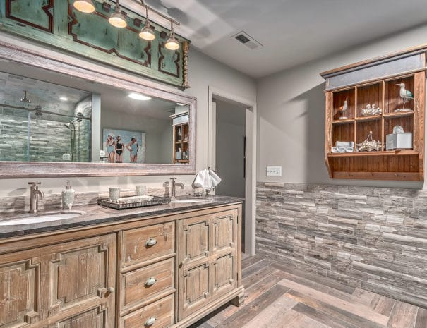 Second Level Guest Master Bath.1